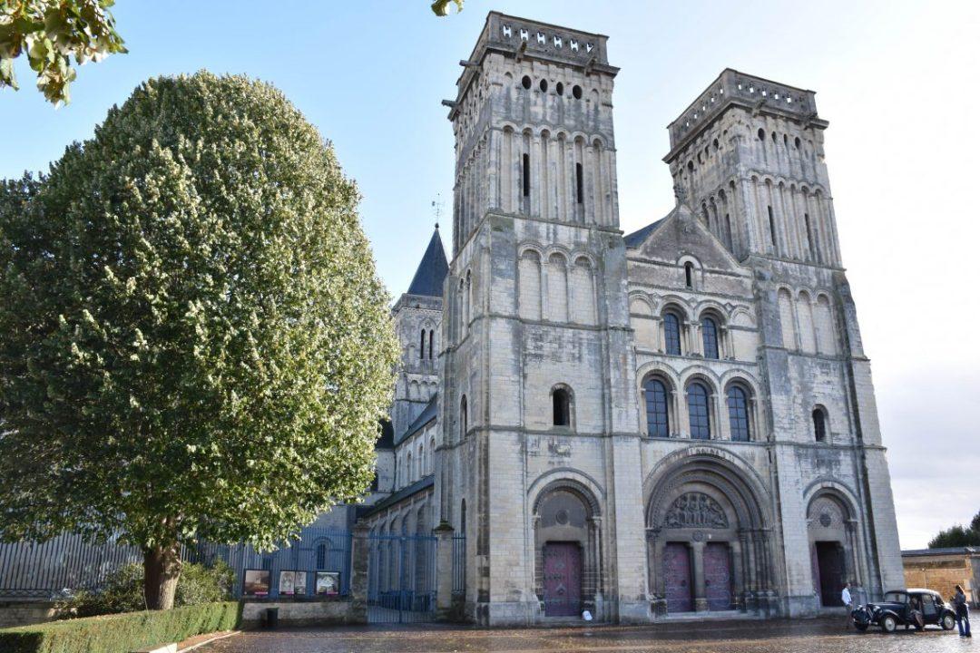 église sainte trinité caen normandie