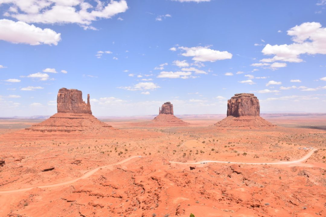 Monument Valley_couple