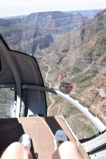 grand canyon vu de l'hélicoptère