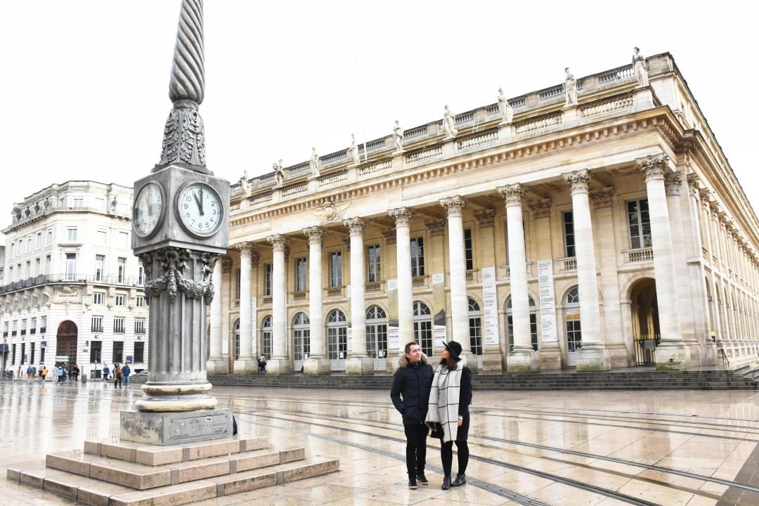 Place de la Comédie à Bordeaux et Grand Theatre_un couple en vadrouille