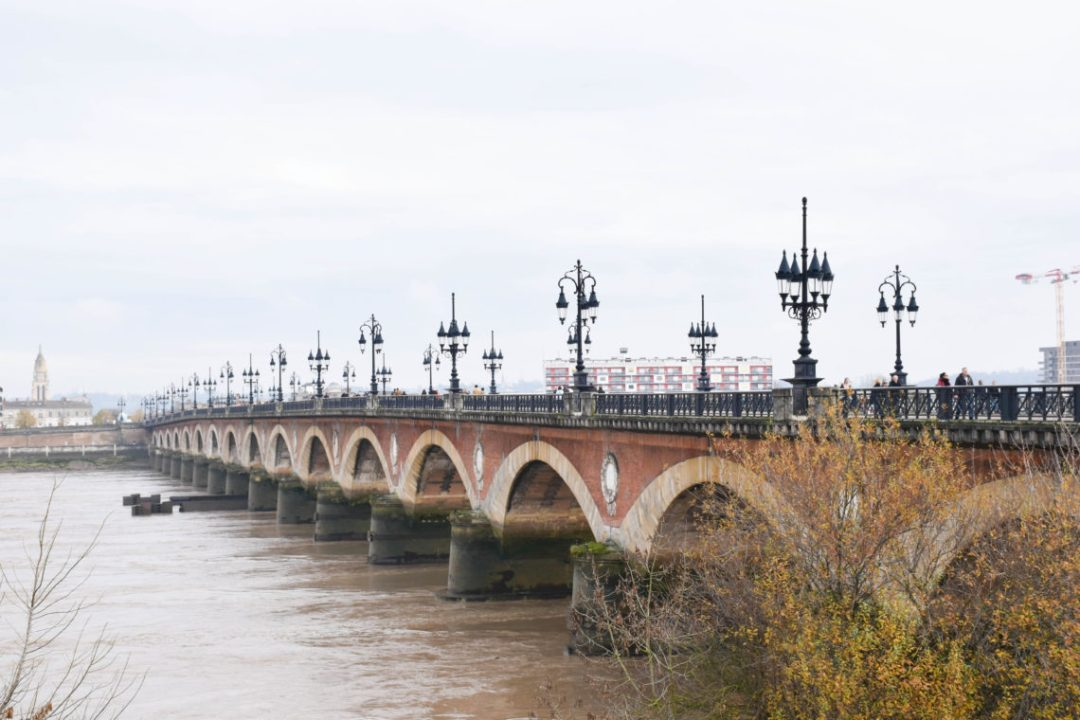 Pont de pierre de Bordeaux france