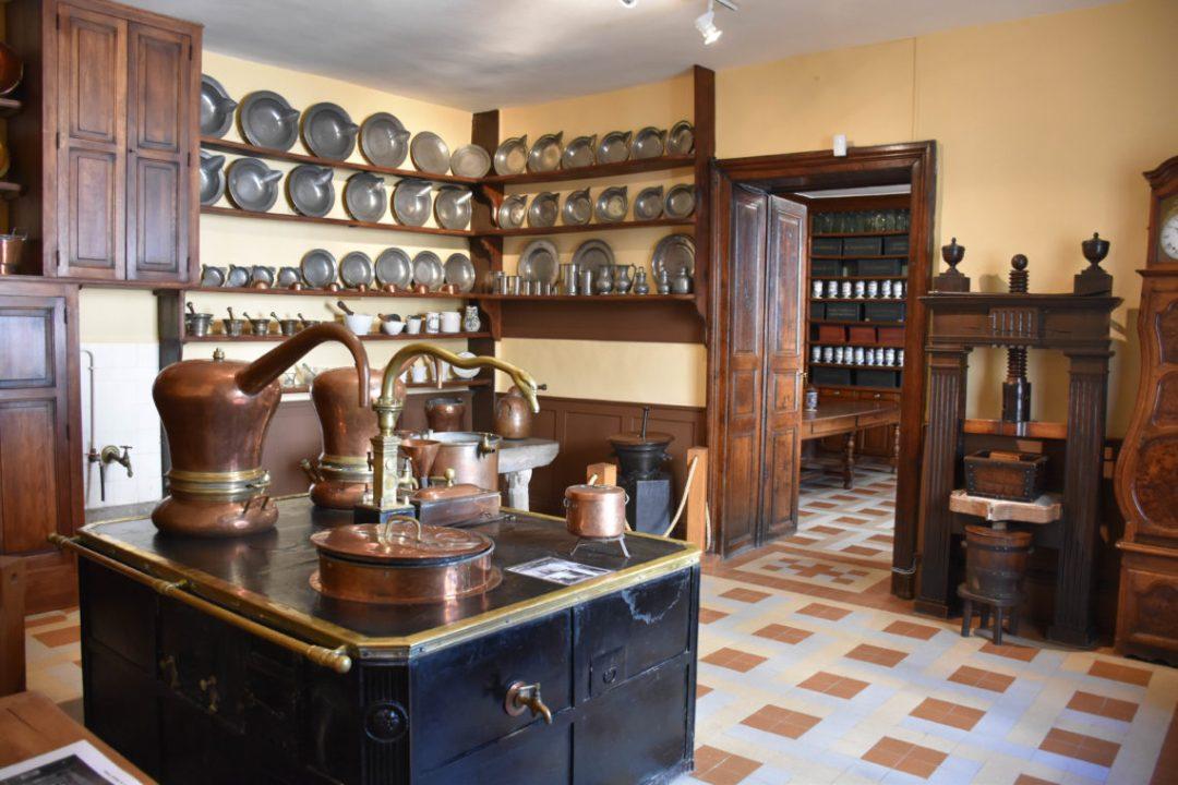 Visiter l'apothicairerie de Bourg-en-Bresse