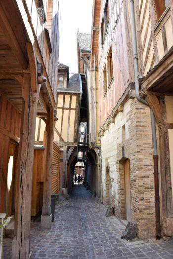 Rue la plus étroite de Troyes