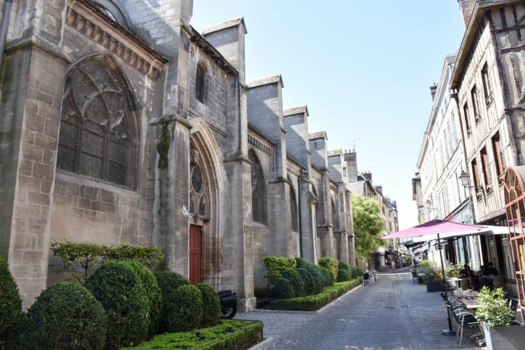 Rue molé à Troyes