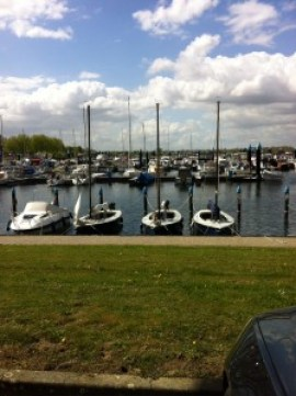 Die Schulungsschiffe in Roermond.