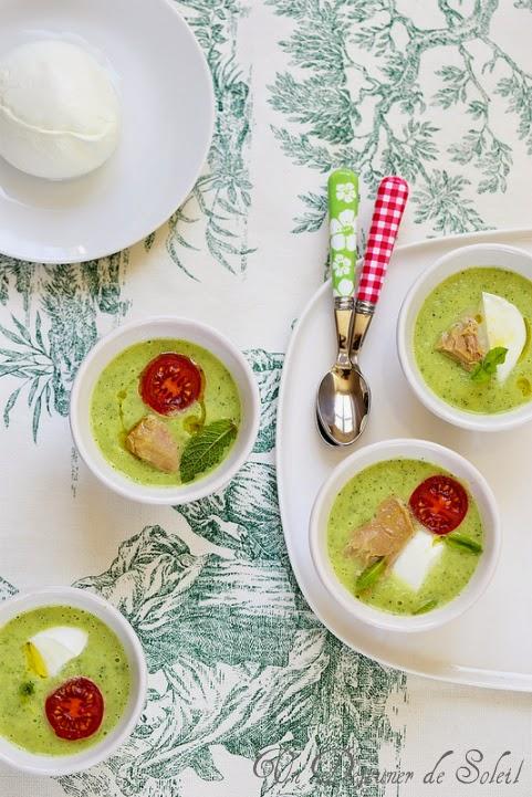 Soupe froide de courgettes thon tomate et mozzarella