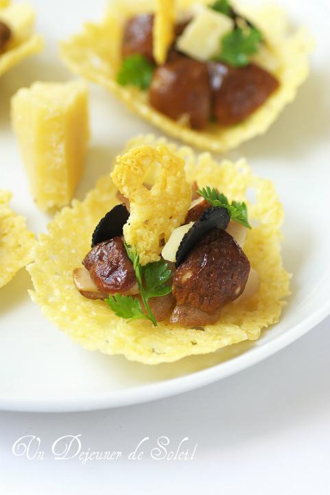 Tuiles salers ou parmesan, cèpes et truffe noire
