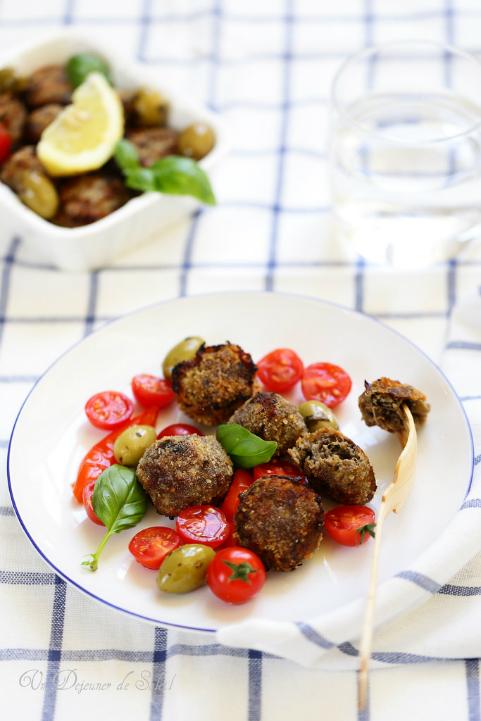 Boulettes de viande aux aubergines et aux olives (polpette)
