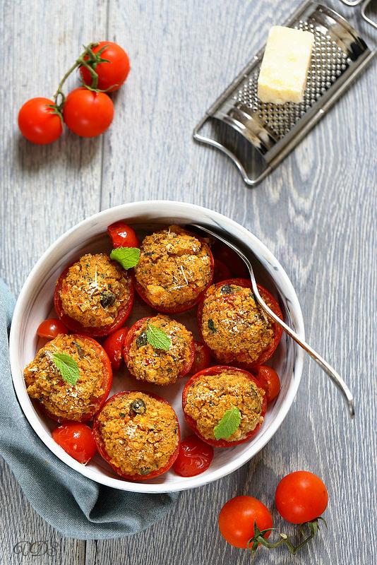 Tomates farcies sans viande comme en Ligurie - Un déjeuner de soleil
