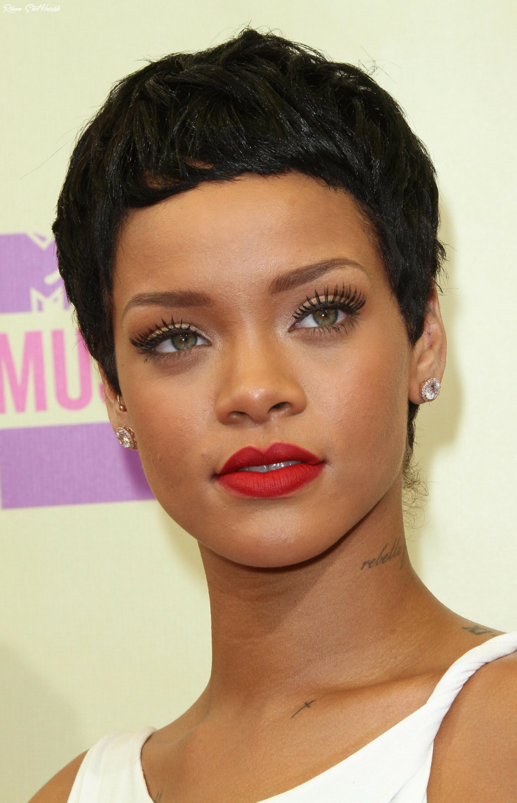 8 latest short hairstyles for women for 8   rihanna hairstyles