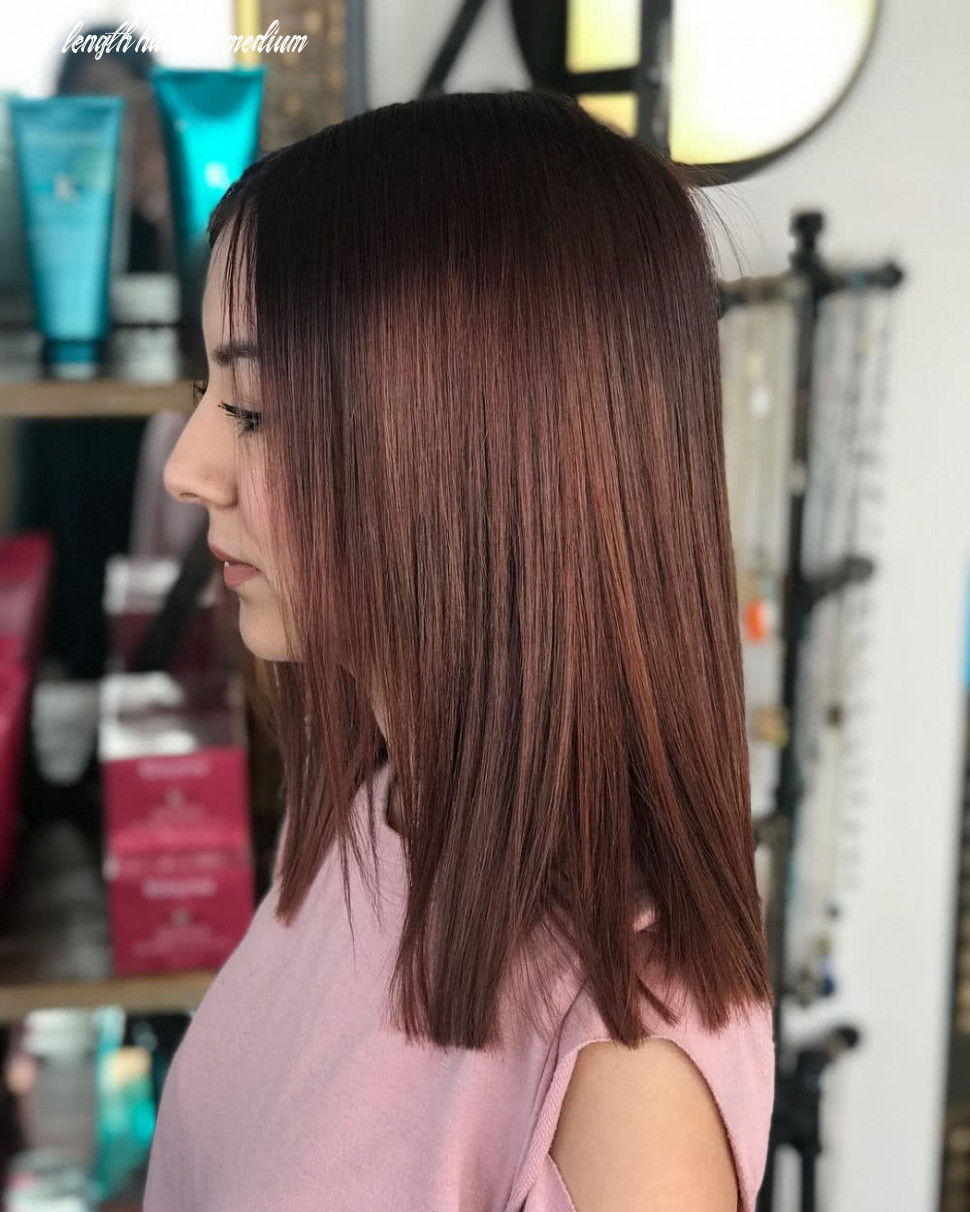 9 flattering medium hairstyles for round faces in 9 one length haircut medium
