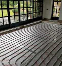 installation of small one zone underfloor heating system  [ 1024 x 768 Pixel ]
