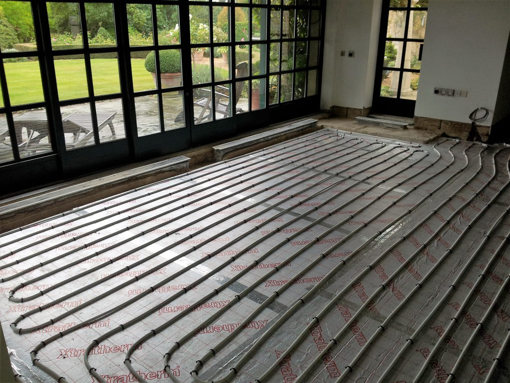 hight resolution of installation of small one zone underfloor heating system