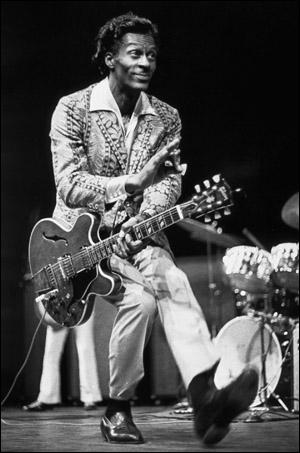 Chuck Berry artiste jouant du blues