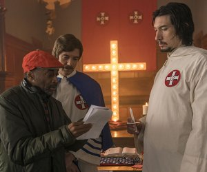 Spike Lee, Topher Grace et Adam Driver sur le tournage de BlacKkKlansman (2018)