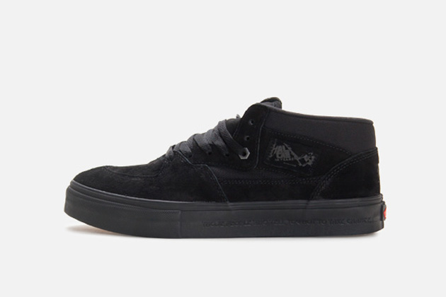 "7fe4c34d1d Vans x Metallica – 20th Anniversary Half Cab Pro ""Kill  Em All ..."