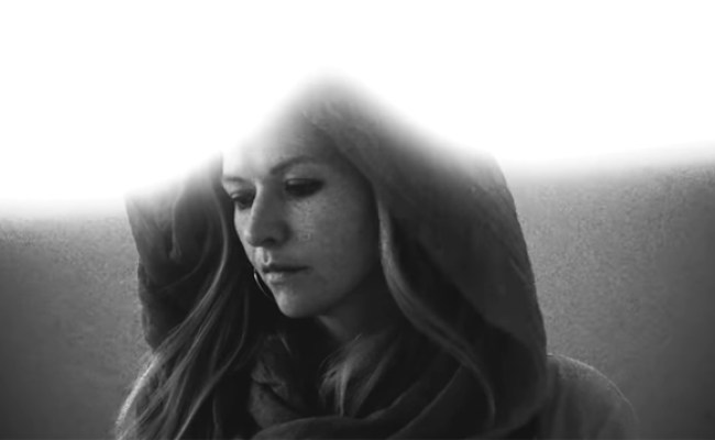Still Corners Share Video For New Song The Photograph