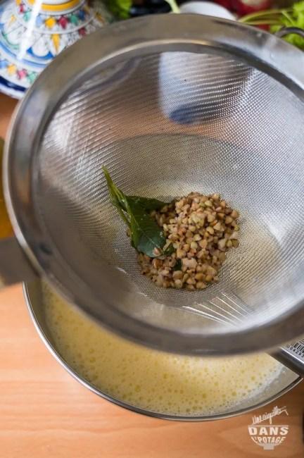 kasha et verveine infusés dans le lait