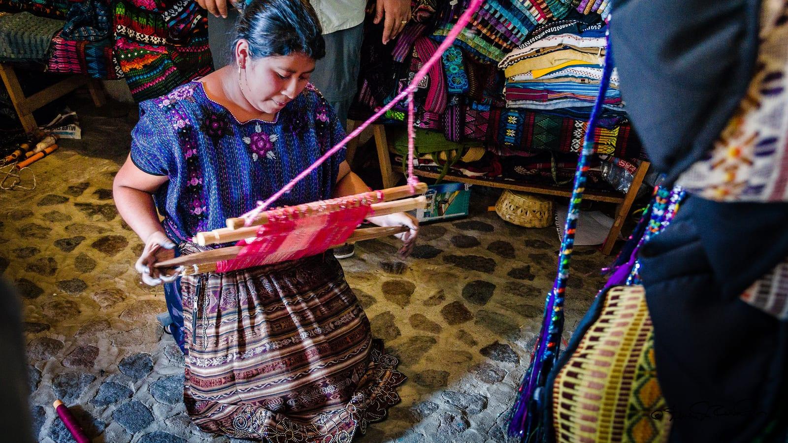 Traditional Guatemala weaving   © Steven dosRemedios/Flickr CC