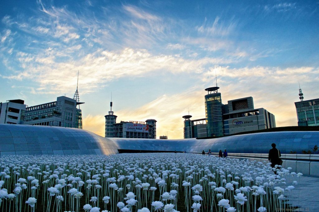 The Dongdaemun Design Plaza in Seoul © | Isaac Lee BX/Flickr (CC BY-NC-ND 2.0)
