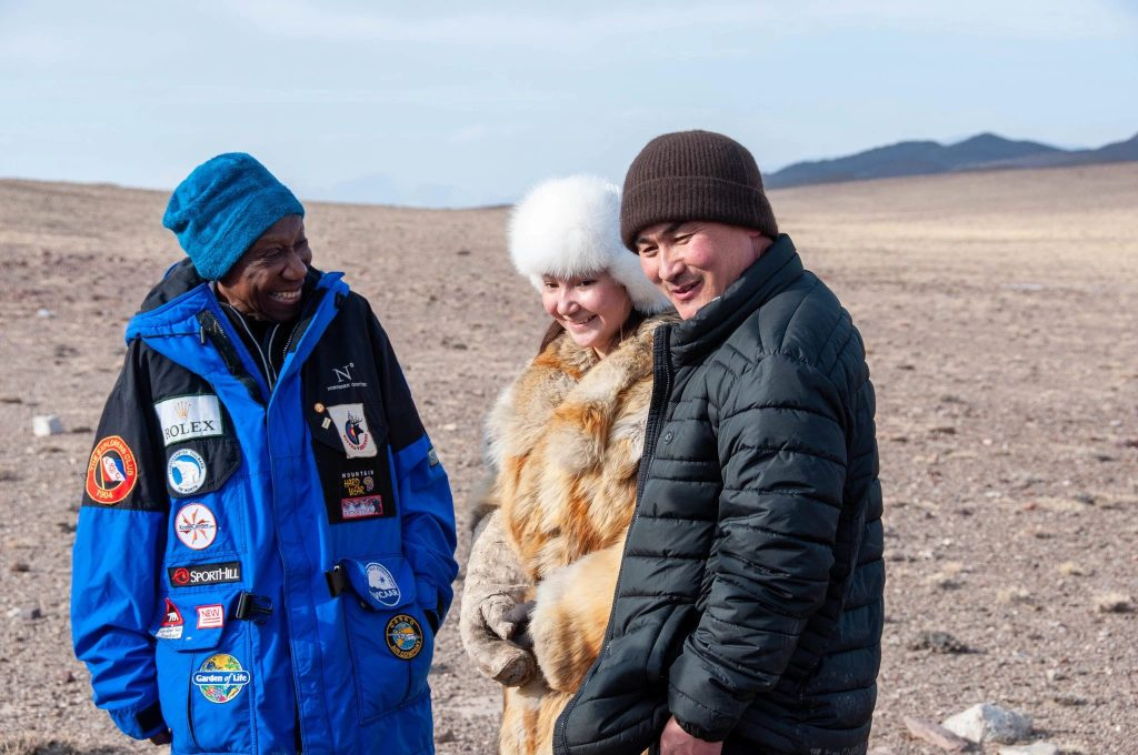 The late and great Barbara Hillary on her final expedition to Mongolia. With her, her guides, Tudevee, and Akelik, who hunt with eagles. | © Zachary Murray/Big Mongolia Travel