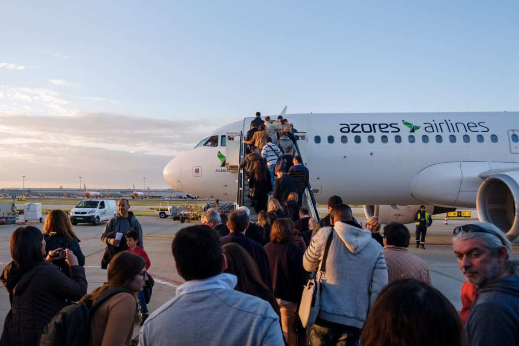 People boarding an airplane from the Azores Airlines (previously known as SATA)   © Shutterstock