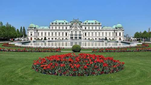 The Belvedere Palace and Museum | © bwag/Wikipedia Commons