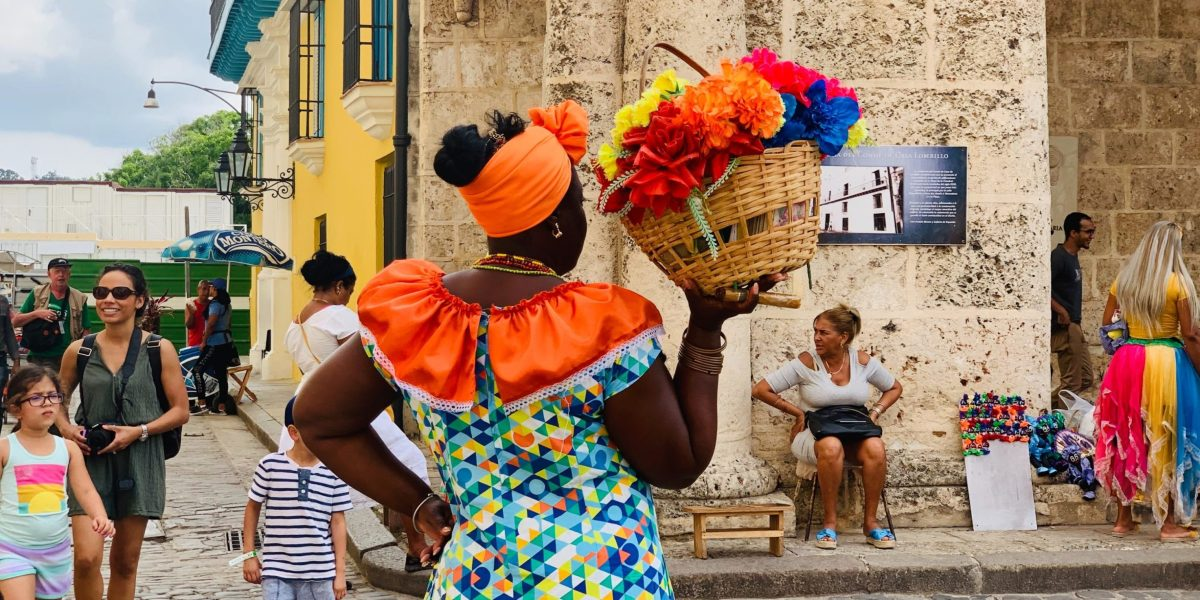 A woman stands in the heart of old Havana in Cuba | © XH_S/Unsplash