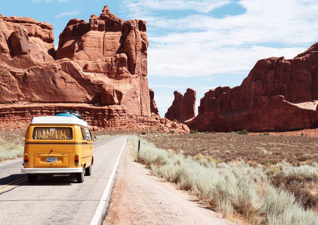 Road trips are on the rise and is a travel trend here to stay | © Dino Reichmuth/Unsplash