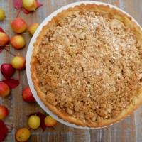 Tarte aux pommes et au sucre à la crème avec son crumble