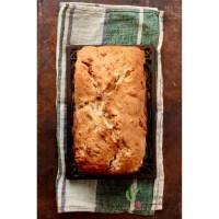 Pain «cake» aux pommes ou aux poires caramélisées, pacanes et pépites de caramel à la fleur de sel