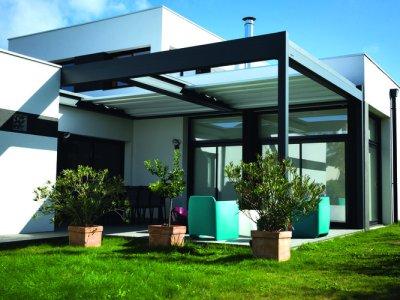pergola bioclimatique maison