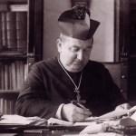San Manuel González escribiendo para EGDA.