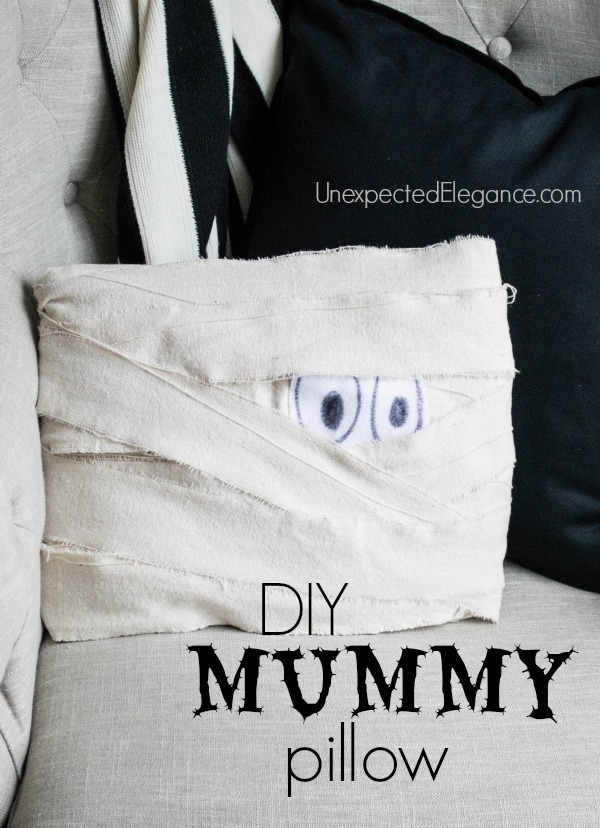 DIY-Mummy-Pillow-Perfect-for-Halloween-1-4