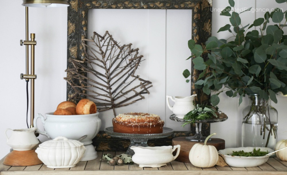 We all know the food is the star of the show at Thanksgiving. See how to create a beautiful Thanksgiving buffet station without spending any money.