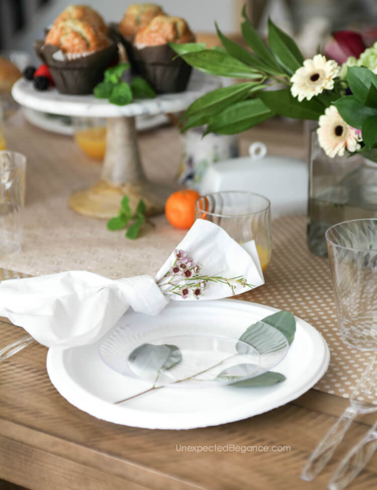 Check out these great tips for hosting a spring brunch! #brunchideas #brunch #simpleentertaining