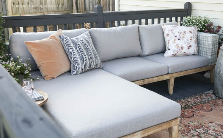 Comfortable outdoor seating makeover!  #outdoorseating #outdoorsectional