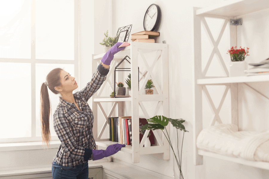Frugal homemade cleaners that really work! These 15 DIY cleaning products are all natural AND a huge money saver over store-bought cleaning solutions.