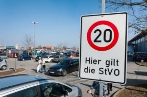 Welche Regeln gelten auf dem Parkplatz. Foto: D.A.S.