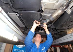 Filternachrüstung. Die Nachrüstung von Dieselpartikelfiltern wird 2015 von der Bundesregierung mit 260 Euro pro Fahrzeug gefördert. Ab 1. Februar können die Anträge beim BAFA (Bundesamt für Wirtschaft und Ausfuhrkontrolle) via Internet gestellt werden. Foto: ZDK.