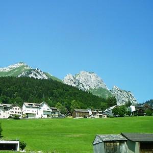 Schweizer Berge in Wildhaus. Foto: Petra Grünendahl.