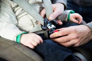 Auto-Kindersitze: Passend zur Körpergröße kaufen und sicher nutzen. Foto: TÜV Rheinland.