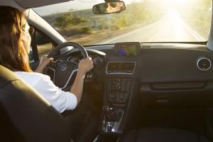 Je länger und häufiger jemand Auto fährt, desto wichtiger wird also ein rückengerechter Autositz. Foto: AGR / Adam Opel AG.