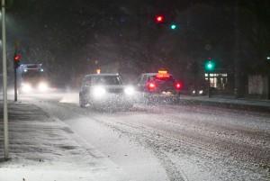 Autofahrer müssen Geschwindigkeit und Fahrweise den Witterungsbedingungen und Straßenverhältnissen anpassen. Foto: ADAC/Achim Otto.