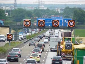 Schilderbrücke auf der Autobahn A66. Foto: AvD.