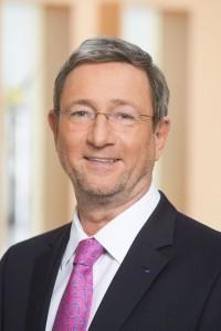 Träger des Goldenen Dieselrings 2016: Dr. Walter Eichendorf, stellvertretender Hauptgeschaeftsfuehrer der Deutschen Gesetzlichen Unfallversicherung (DGUV). Foto: Ian Georg Strohbücker / VdM.