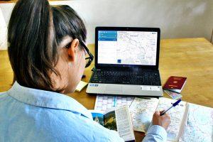 Auf gültige Dokumente achten: Reisepass, Grüne Versicherungskarte, Internationaler Führerschein, Infos gibt es bei Botschaften. Foto: TÜV Rheinland AG.