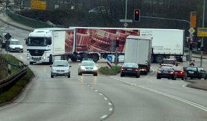 Forsa-Umfrage: 72 Prozent der Deutschen sind gegen Gigaliner. Foto: ACV Automobil-Club Verkehr.