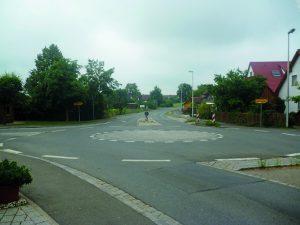 Ein Minikreisel bringt zahlreiche Vorteile gegenüber einer Kreuzung. Foto: ARCD.