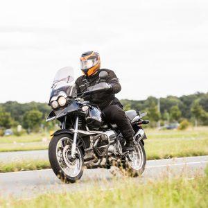 Vorsicht beim Motorradkauf: In der Praxis passen Körpergröße und Beinlänge oft nicht zur Sitzhöhe und Größe der gekauften Maschinen. Foto: ADAC.